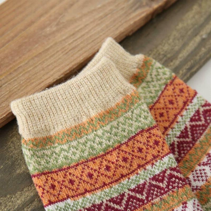 Vintage Warm Wool Crew Loritta Women's 5 FREE